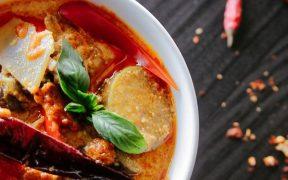 5 Jenis Makanan yang Harus Dihindari Pasca Menjalani Persalinan Caesar