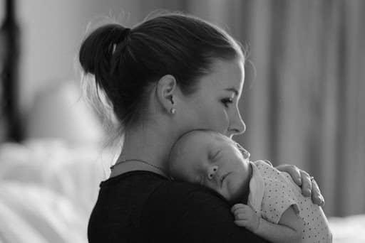 Mengatasi baby blues pada ibu