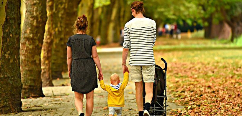 Wanita memilih pasangan untuk keluarga bahagia