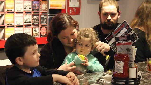 Noah dan keluarga pasca kebakaran