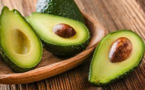 Manfaat buah alpukat untuk kesehatan anak dan mpasi