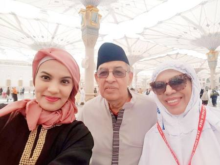 Quraish Shihab bersama Nahla, anak bungsu