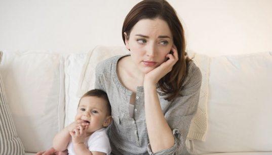 Apa itu Mom Shaming dan dampak negatifnya