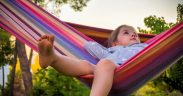 Menerapkan Pola Asuh Tepat pada Anak