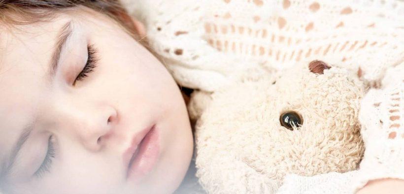 Cara Melatih anak usia 3 tahun berani tidur sendiri