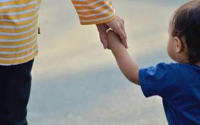 Mendidik anak agar menjadi pintar dan patuh orangtua